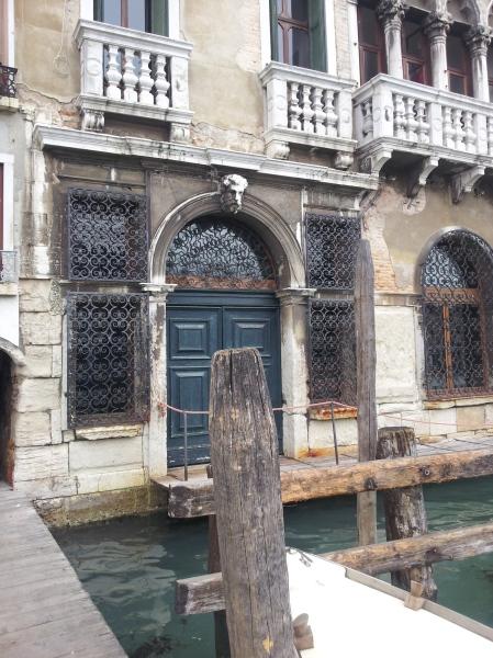 Venedig - Tür zu Steg