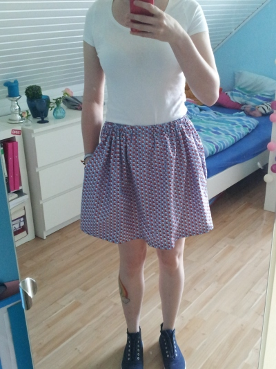 DIY wrinkled mini skirt