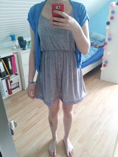 Nachher: Minikleid mit buntem Saum