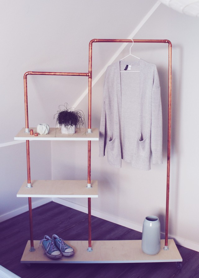 Garderobe aus Kupferrohr